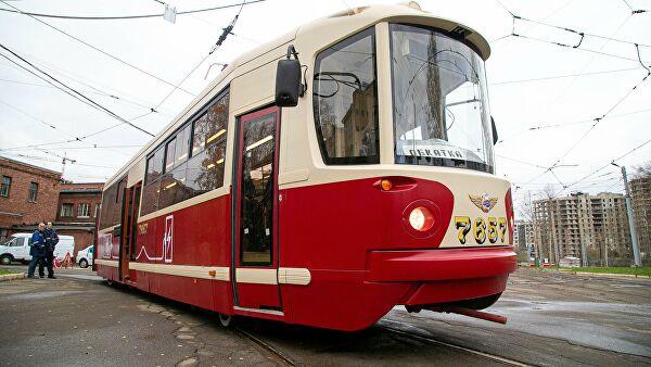 В Петербурге испытали трамвай на водородных топливных элементах